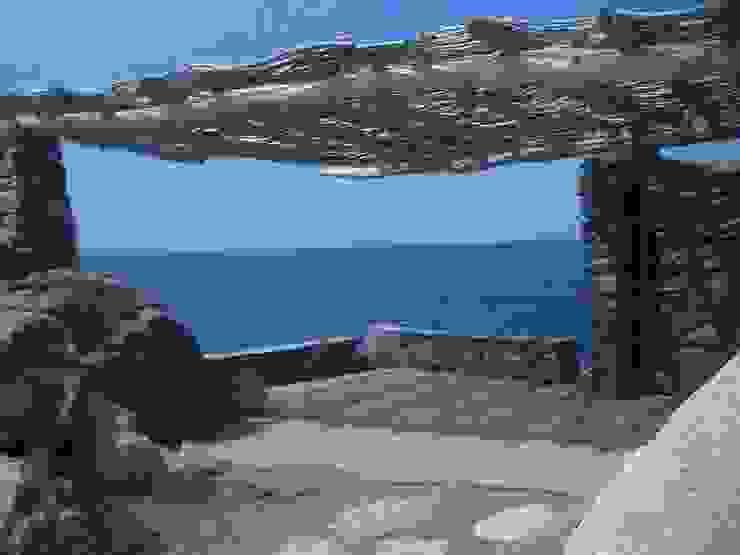 pergola en bois flotté en corse par deco-nature Méditerranéen