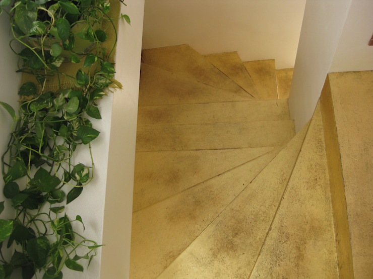 Eclectic style corridor, hallway & stairs by STUDIOFLUIDO Eclectic