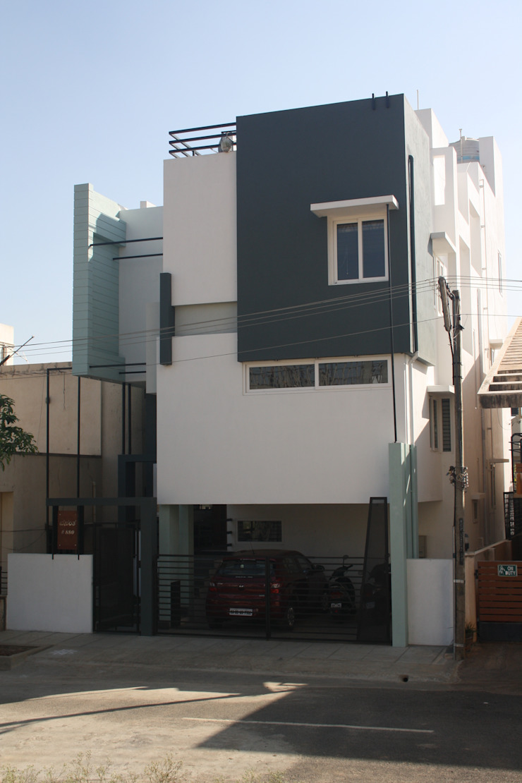 Sudharma Residence Modern houses by Ashwin Architects Modern