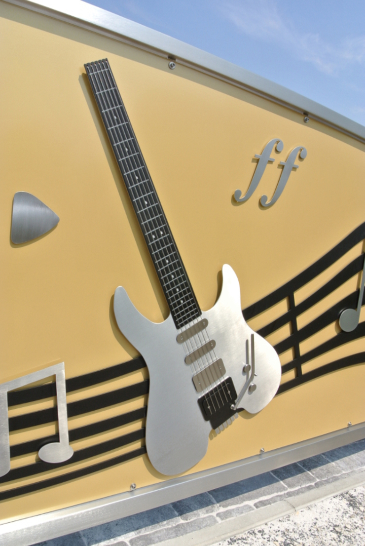 Music Gate. by Edelstahl Atelier Crouse: Сучасний