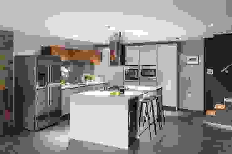 Basement Kitchen Eklektyczna kuchnia od Casey & Fox Ltd Eklektyczny