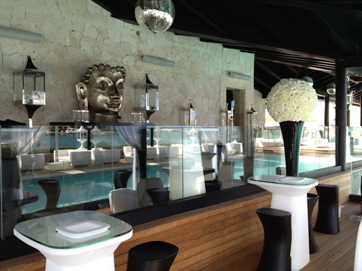 DUX CHIVAS CLUB - DOMINICAN REPUBLIC Bar & Club in stile eclettico di VGnewtrend Eclettico
