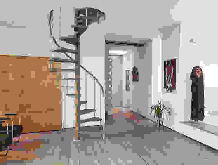 Fontanot – Albini & Fontanot S.p.A. Corridor, hallway & stairs