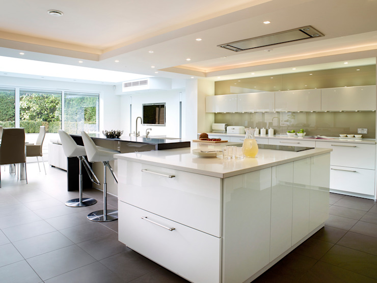 MR & MRS SAMUEL'S KITCHEN por Diane Berry Kitchens Moderno