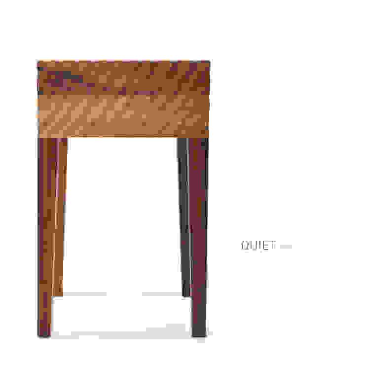 Zanat Quiet stool (walnoot) van Based on Roots Minimalistisch