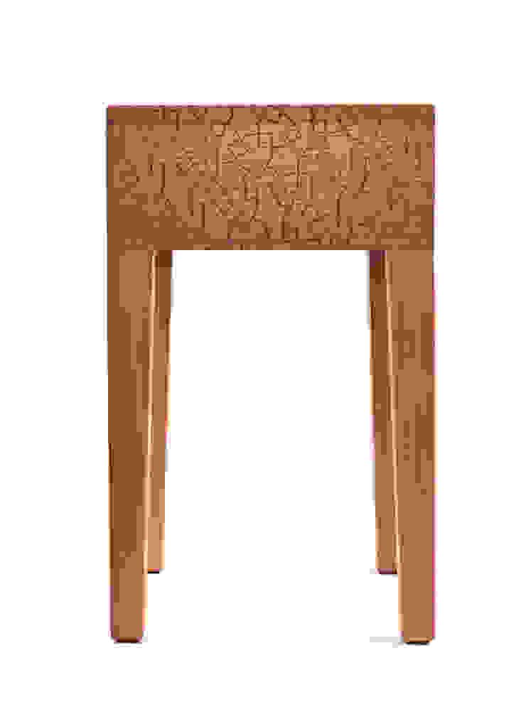 Zanat Quiet stool (kersen) van Based on Roots Minimalistisch