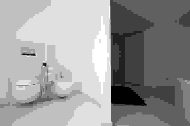 Casa LM Bagno moderno di Laboratorio di Progettazione Claudio Criscione Design Moderno