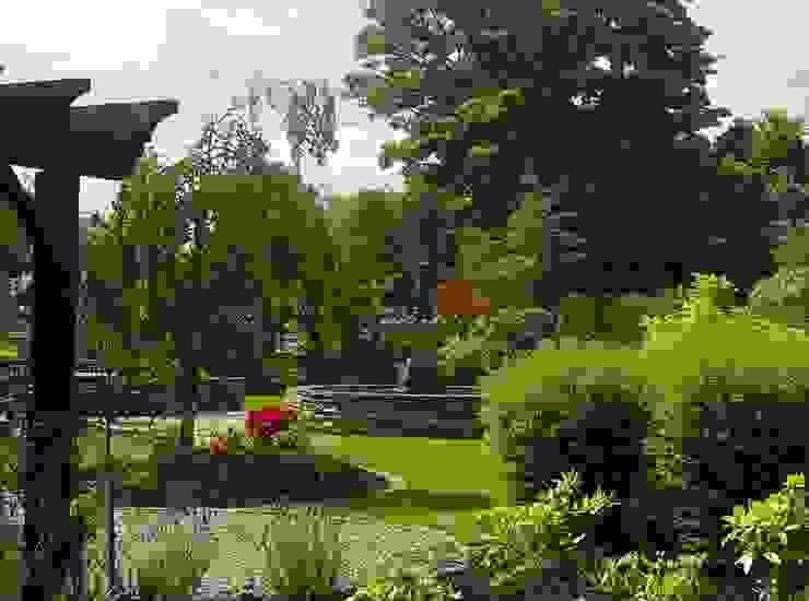 "<q class=""-first"">The Haven</q> Jardines de estilo rural de Kevin Cooper Garden Design Rural"