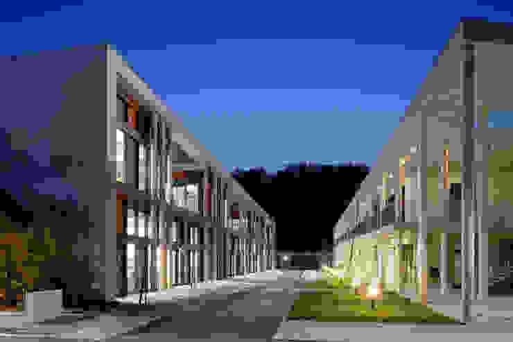 Restructuration et extension du Lycée Albert Einstein à Bagnols-sur-Cèze – Associé à François Privat, Architecte Ecoles par NBJ Architectes