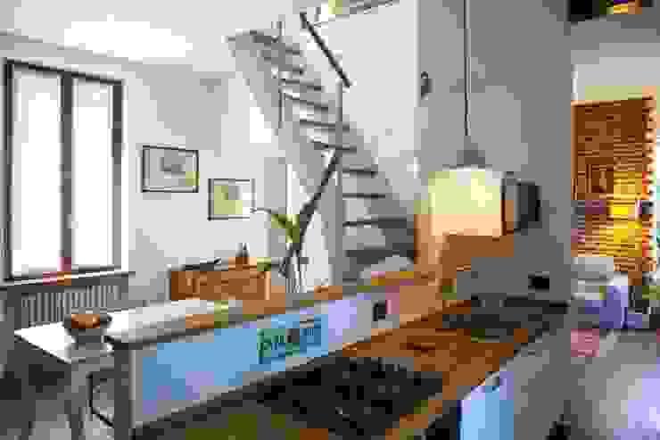 Modern Dining Room by INNOVATEDESIGN® s.a.s. di Eleonora Raiteri Modern