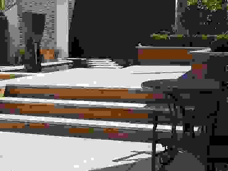 """A Contemporary """"Oasis"""" Modern garden by Kevin Cooper Garden Design Modern"""