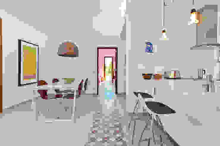 Casa en Selva, Mallorca Comedores de estilo mediterráneo de Joan Miquel Segui Arquitecte Mediterráneo