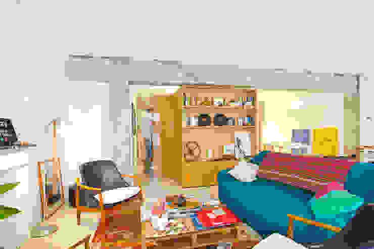 Reforma de apartamento en Palma de Mallorca Salones de estilo industrial de Joan Miquel Segui Arquitecte Industrial