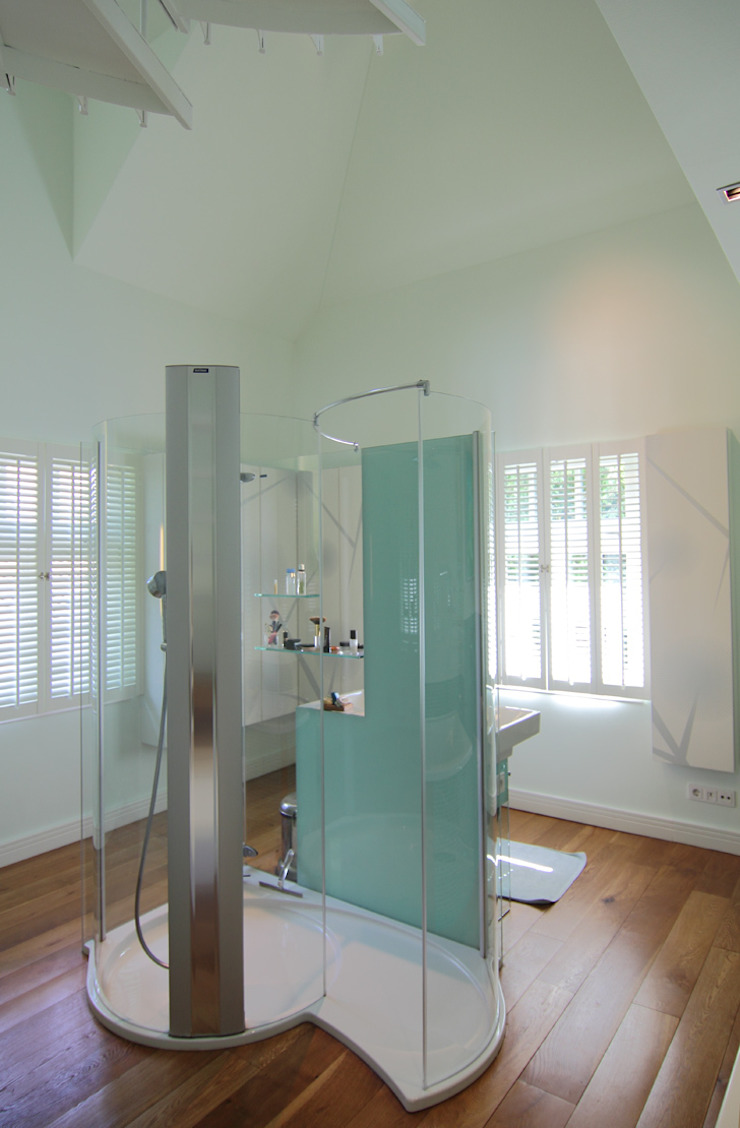 Modern bathroom by Christine Etschmann Johannes Noack Modern