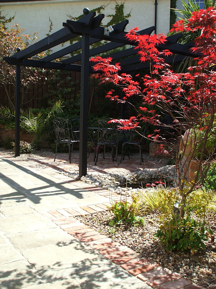 "The ""Courtyard"" Garden Classic style garden by Kevin Cooper Garden Design Classic"