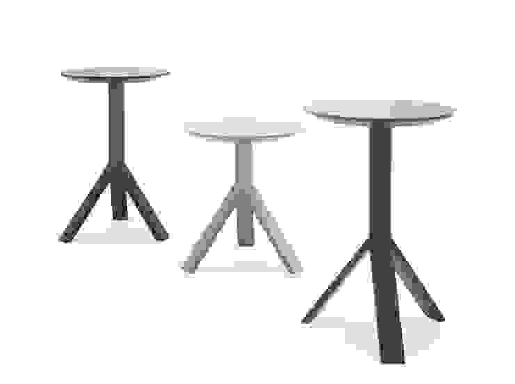 Möller Design Woody Devito Beistelltisch: modern  von KwiK Designmöbel GmbH,Modern