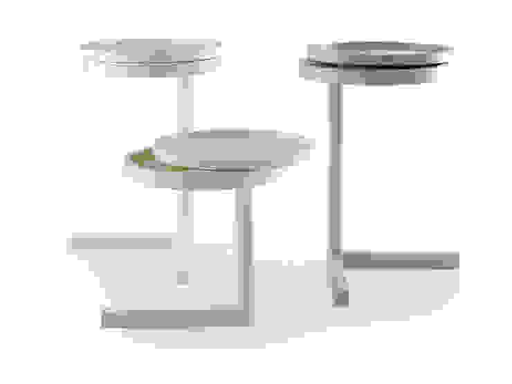 Möller Design Woody Conway Beistelltisch: modern  von KwiK Designmöbel GmbH,Modern