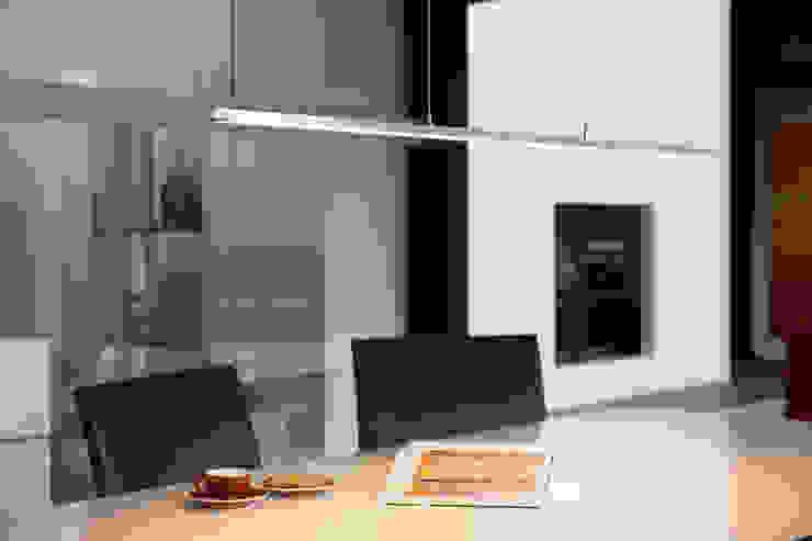 LISGO SKY STRAIGHT: modern  von OLIGO Lichttechnik GmbH,Modern