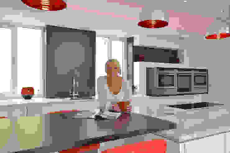 MR & MRS SCHOFIELD'S KITCHEN Modern kitchen by Diane Berry Kitchens Modern