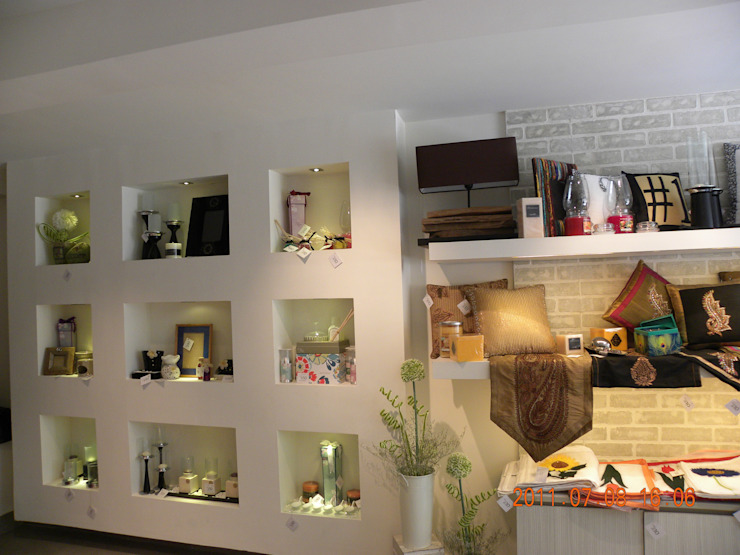 Office spaces & stores  theo Vijay Kapur Designs,