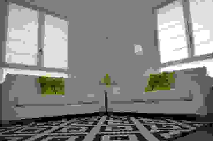BIANCOACOLORI 现代客厅設計點子、靈感 & 圖片