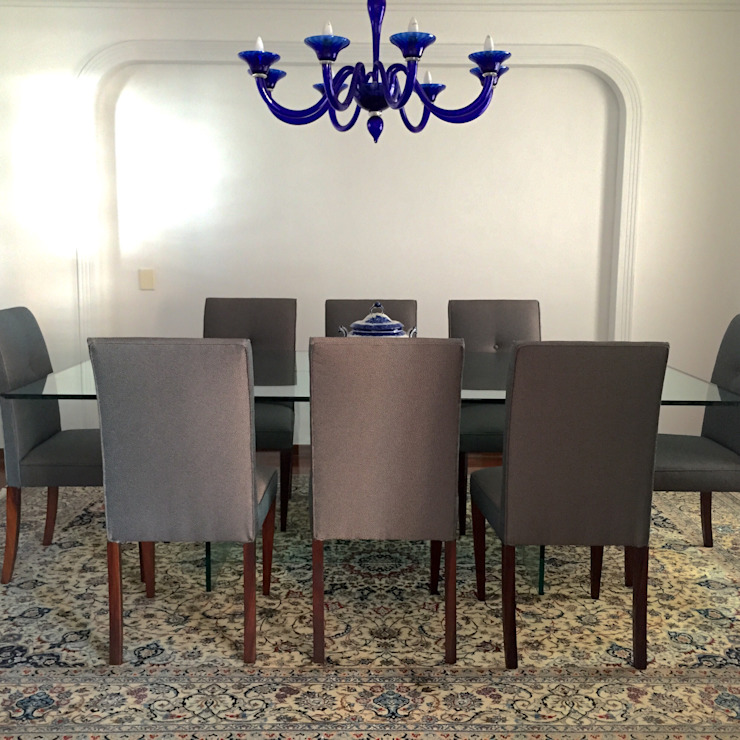 Klassische Esszimmer von Kika Prata Arquitetura e Interiores. Klassisch