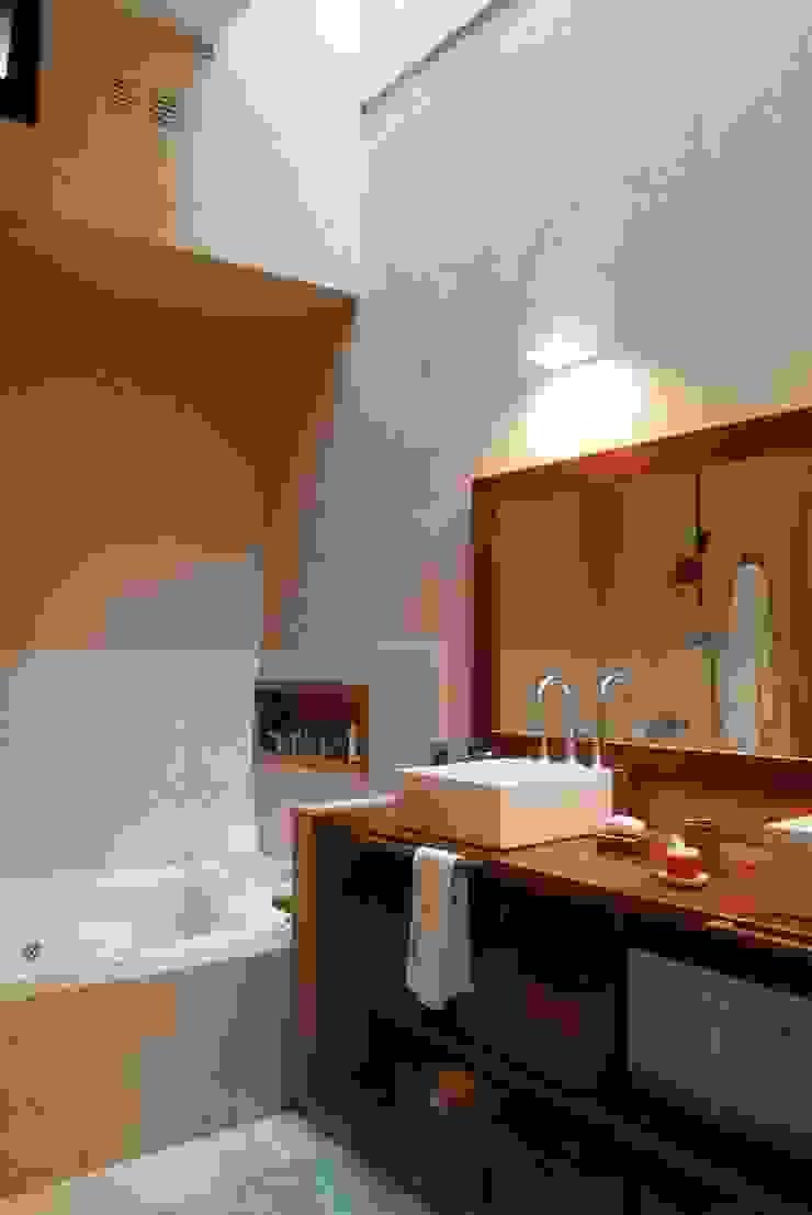 Parrado Arquitectura Eclectic style bathroom