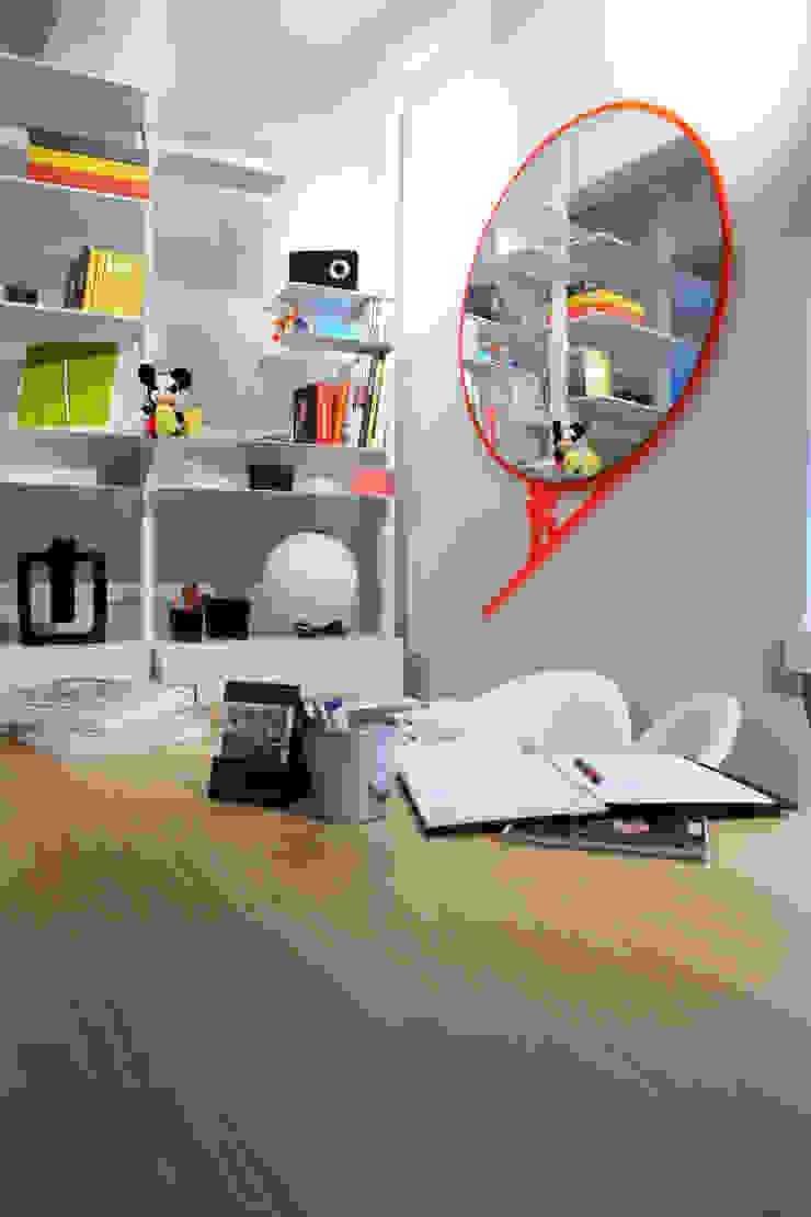 Roby's story 1—Mirror | Raro Design Collection. Roberto Nicolò HouseholdAccessories & decoration