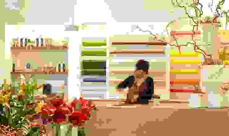 ZUBINI Spazi commerciali moderni di Flussocreativo Design Studio Moderno