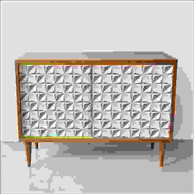 szafka OKOLICZNOŚCIOWA I /drewno: styl , w kategorii Salon zaprojektowany przez Dwie Baby