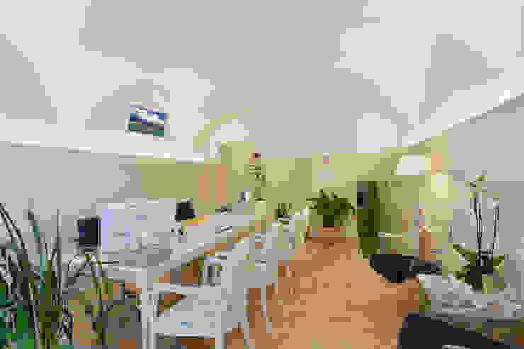 Comedores de estilo mediterráneo de STUDIO PAOLA FAVRETTO SAGL - INTERIOR DESIGNER Mediterráneo Cerámico