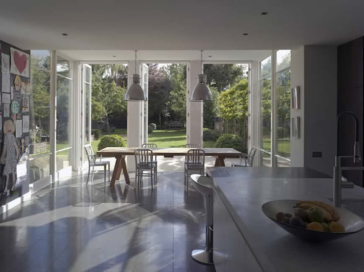 Lower Common South Modern houses by Alan Higgs Architects Modern