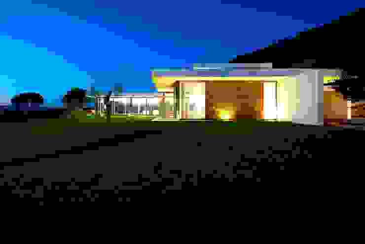 Casas de estilo  por Risco Singular - Arquitectura Lda, Minimalista