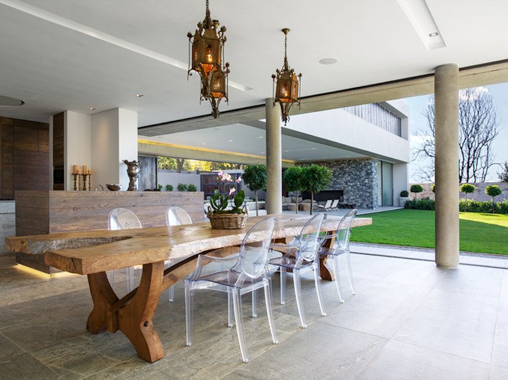 Dining room by Daffonchio & Associates Architects,