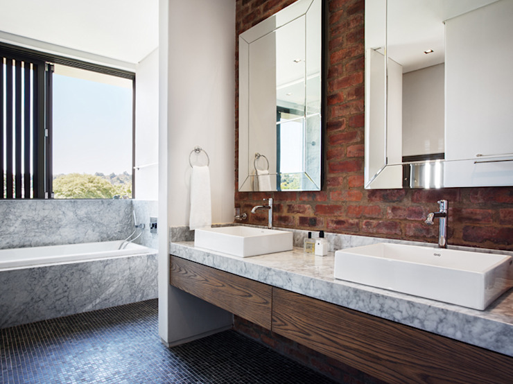 House 01, Hyde Park Modern Banyo Daffonchio & Associates Architects Modern