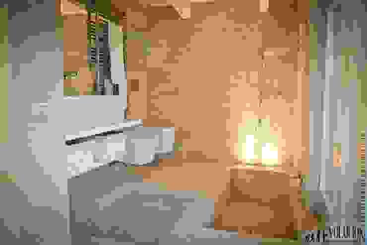 Baños modernos de studio aica progetti Moderno