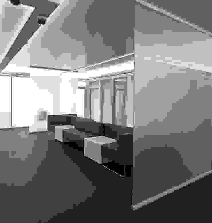 DMZ Warteraum Minimalistische Krankenhäuser von SzturArchitekten GmbH Minimalistisch Glas
