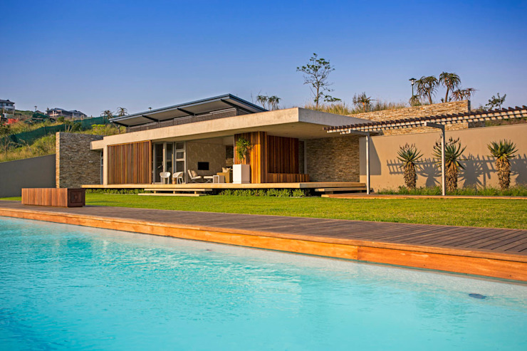 Albizia House Modern pool by Metropole Architects - South Africa Modern