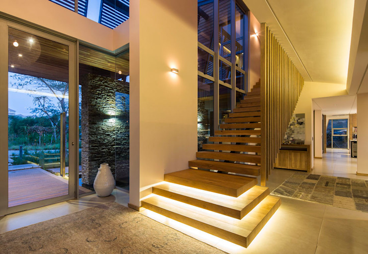 Albizia House Modern corridor, hallway & stairs by Metropole Architects - South Africa Modern