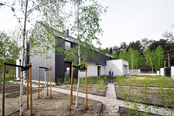 dom kryty łupkiem Minimalistyczne domy od Libido Architekci Minimalistyczny
