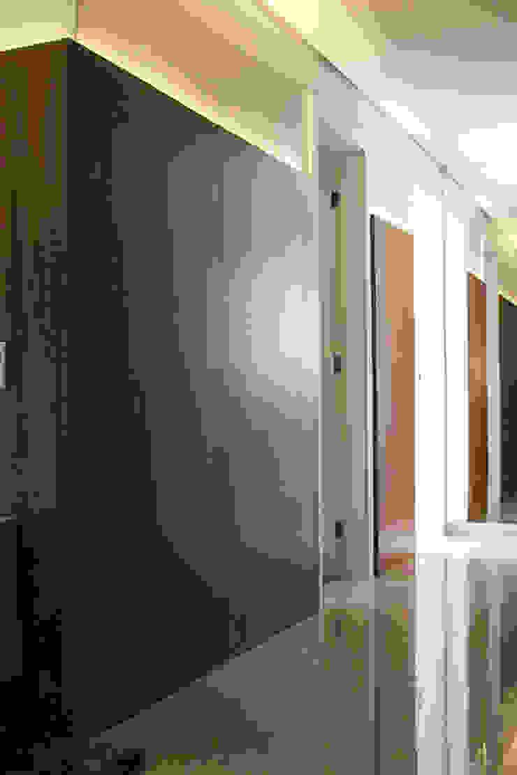 Circulação Corredores, halls e escadas modernos por Studio Gorski Arquitetura Moderno