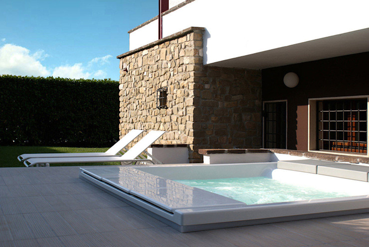Moderne zwembaden van GRITTI ROLLO | Stefano Gritti e Sofia Rollo Modern