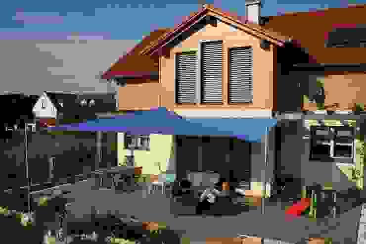 Балкон, веранда и терраса в . Автор – Textile Sonnenschutz- Technik ,