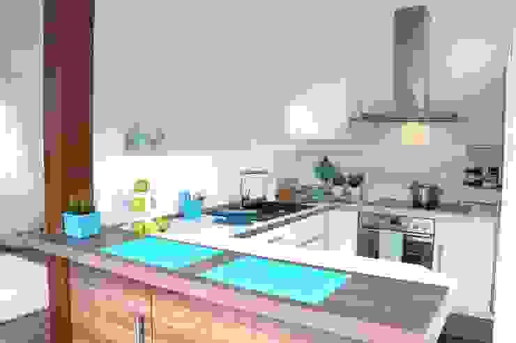 Küche nach dem Staging Moderne Küchen von raumwerte Home Staging Modern