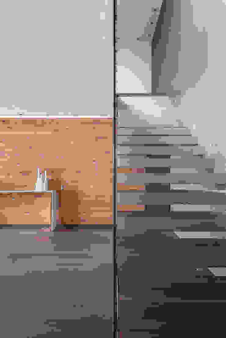 PH Diamante Pasillos, vestíbulos y escaleras minimalistas de ARCHETONIC / Jacobo Micha Mizrahi Minimalista