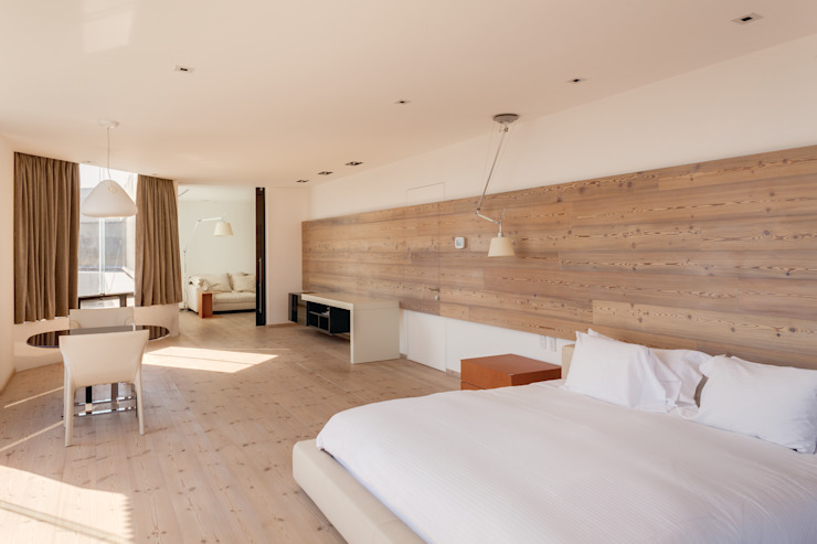 Minimalist bedroom by ARCHETONIC / Jacobo Micha Mizrahi Minimalist