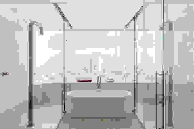 PH Diamante Baños minimalistas de ARCHETONIC / Jacobo Micha Mizrahi Minimalista