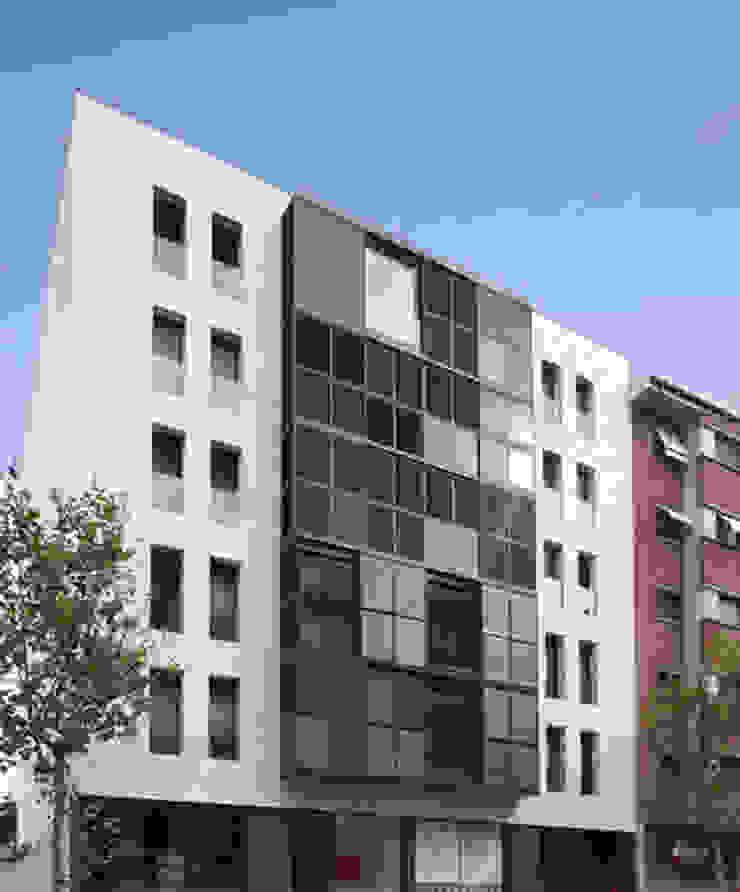 Edificio de Viviendas Casas de estilo moderno de luis álvarez torezano Moderno Mármol