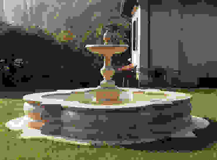 Fontana ornamentale in travertino classico di Todini Sculture Classico