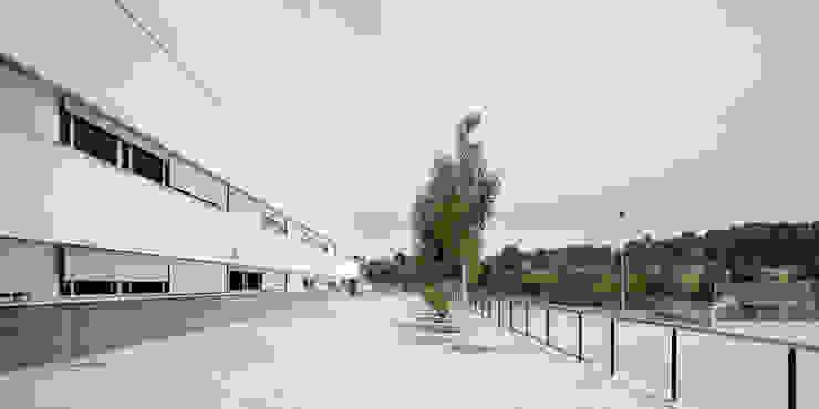 IES Sant Esteve Sesrovires de Jordi Farrando arquitecte Moderno